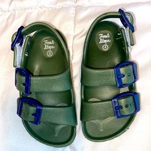 EUC First Stepsrubber sandals baby size 4